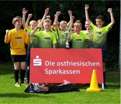 JSG Simonswolde/ Ihlow E1- Junioren gewinnen Endspiel um den Sparkassen- Pokal!